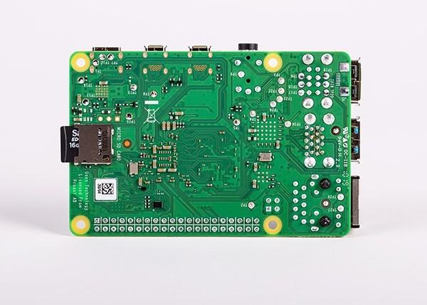 New Raspberry PI 4 Model B - 4Gb (Bottom view)